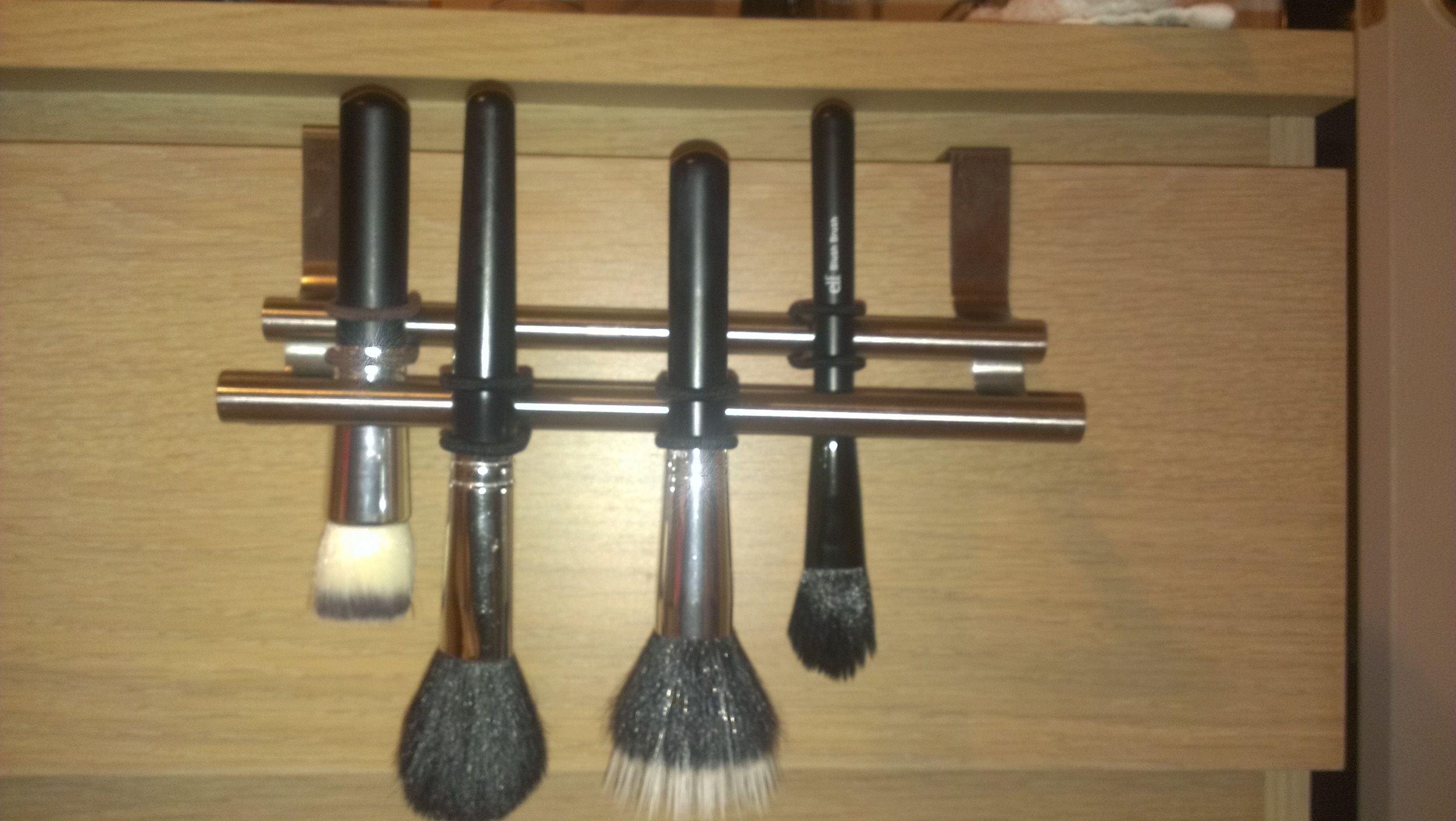 diy makeup brush drying rack Diy makeup brush, Diy