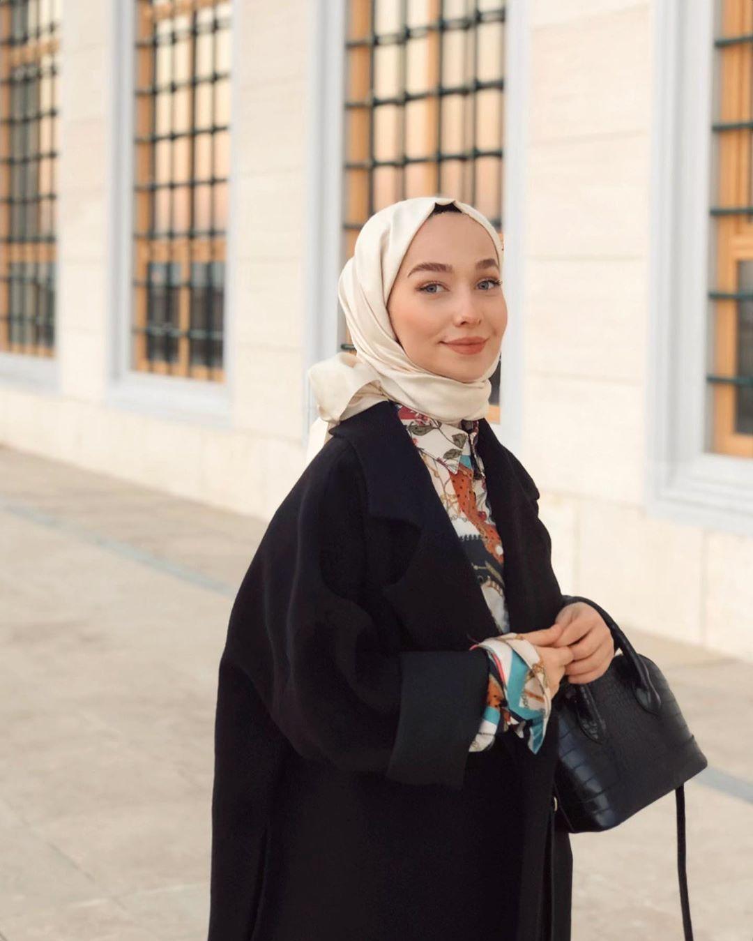 Instagram Da Betul In 2020 Girl Hijab Hijab Fashion Fashion