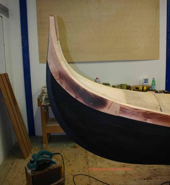 Gondola settecenta.  Archeologia navale