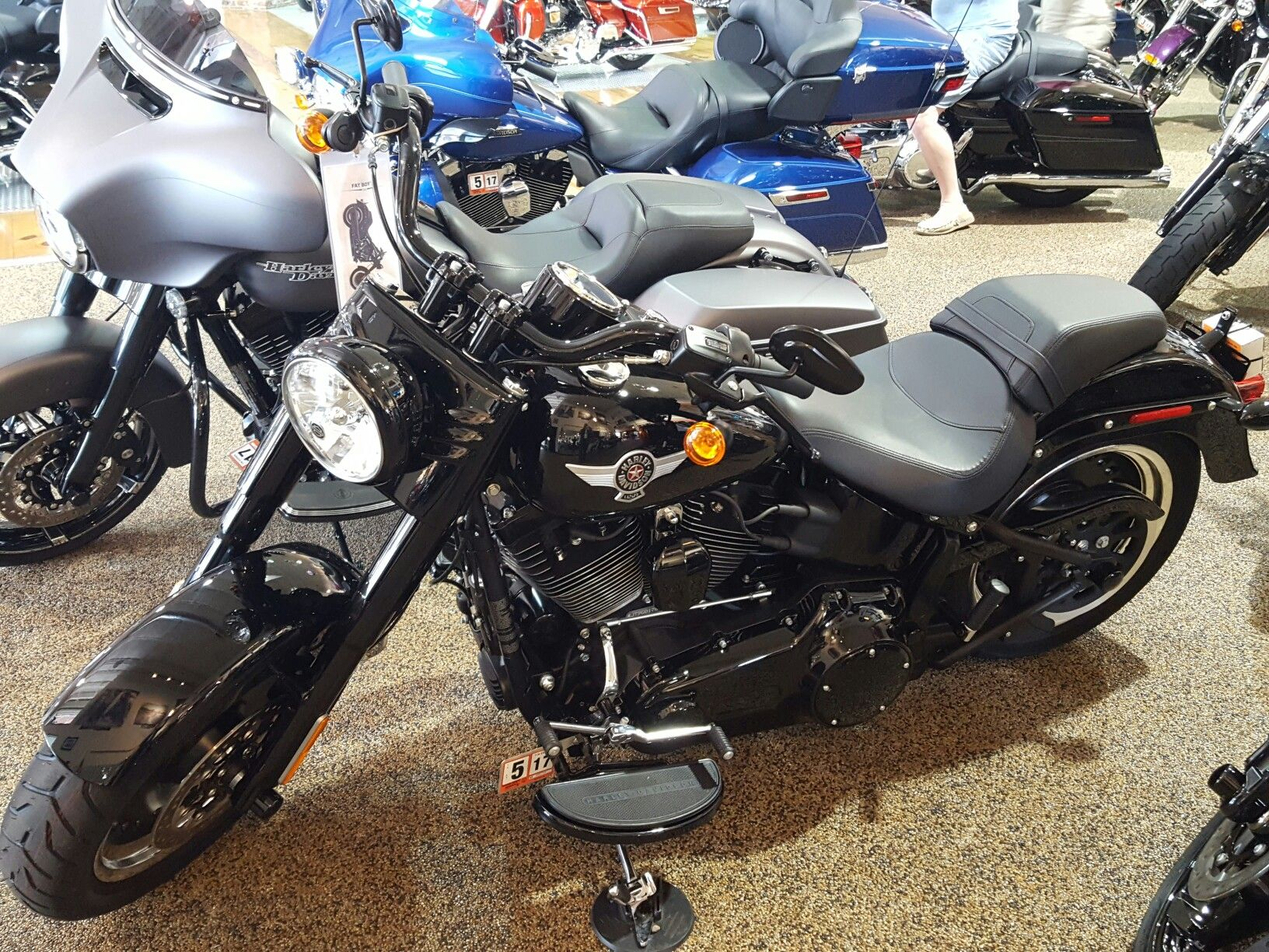 My Dream Bike Fat Bob Lo S Blacked Out Motorcycles Pinterest