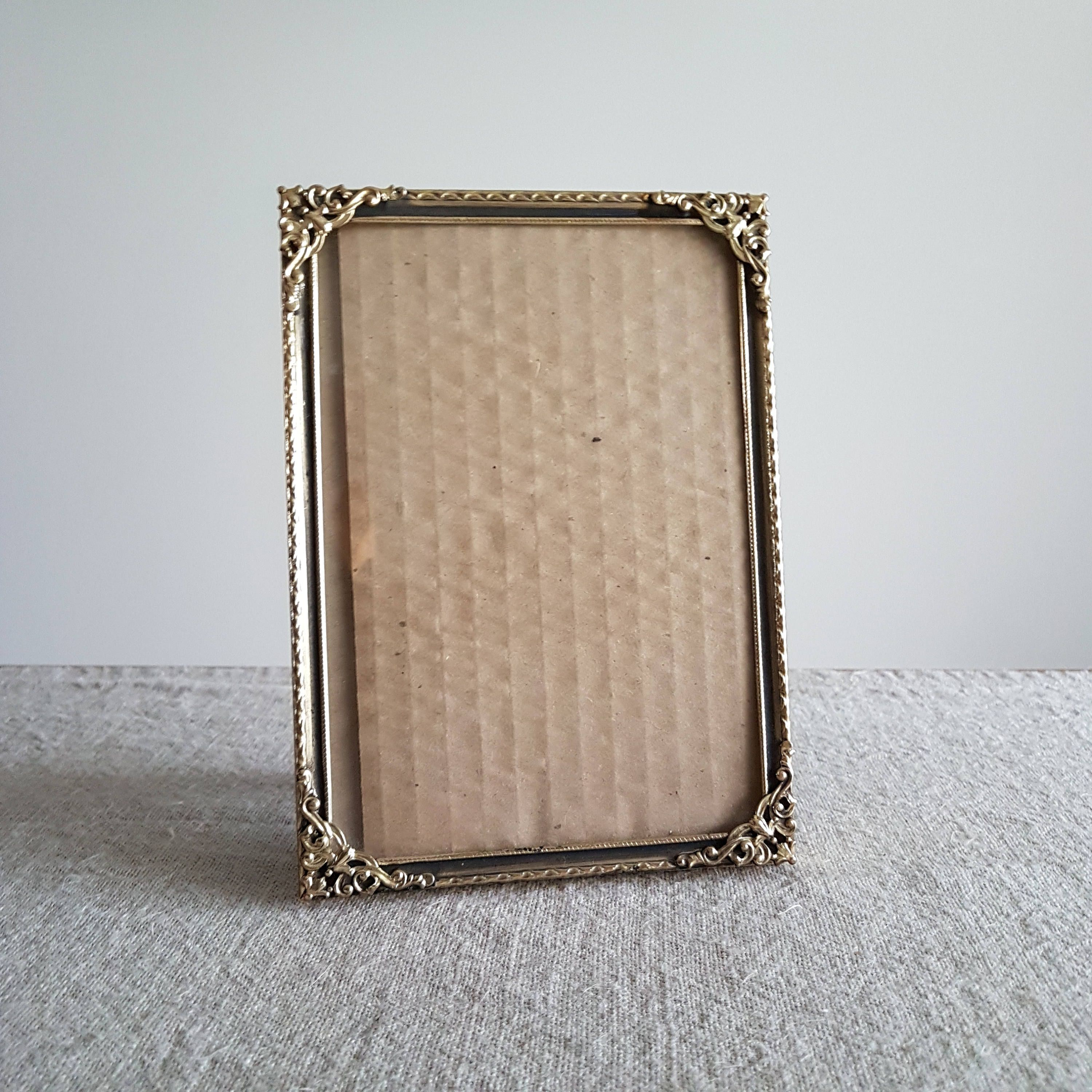 5 x 7 gold tone black metal picture frame w ornate corner 5 x 7 gold tone black metal picture frame w ornate jeuxipadfo Image collections