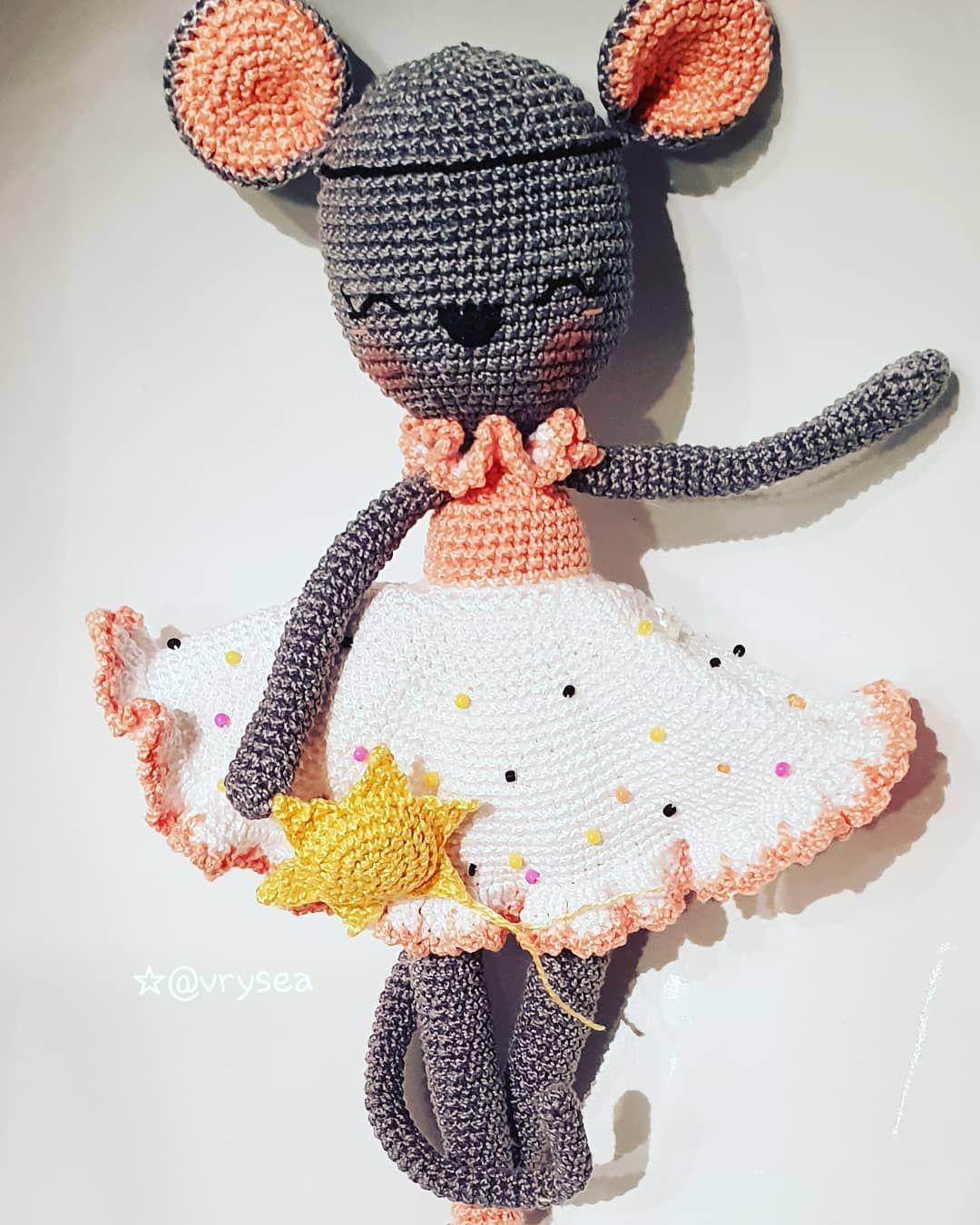 Una ratoncita encantadora con mucha ilusión. 😃#crochet #hechoamano ...