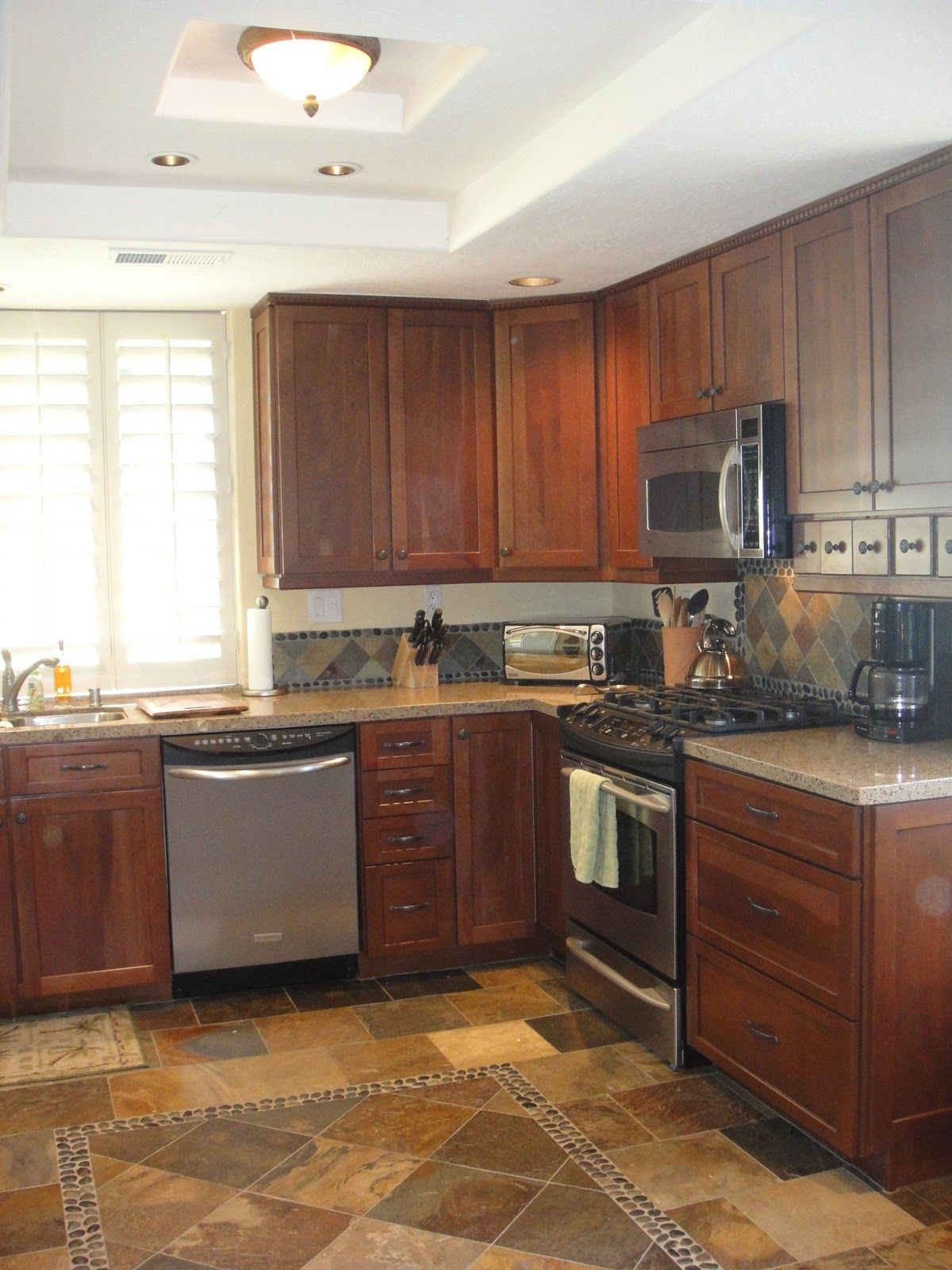 The Kitchen Is State Of The Art With Stainless Steel Appliances Granite Countertops