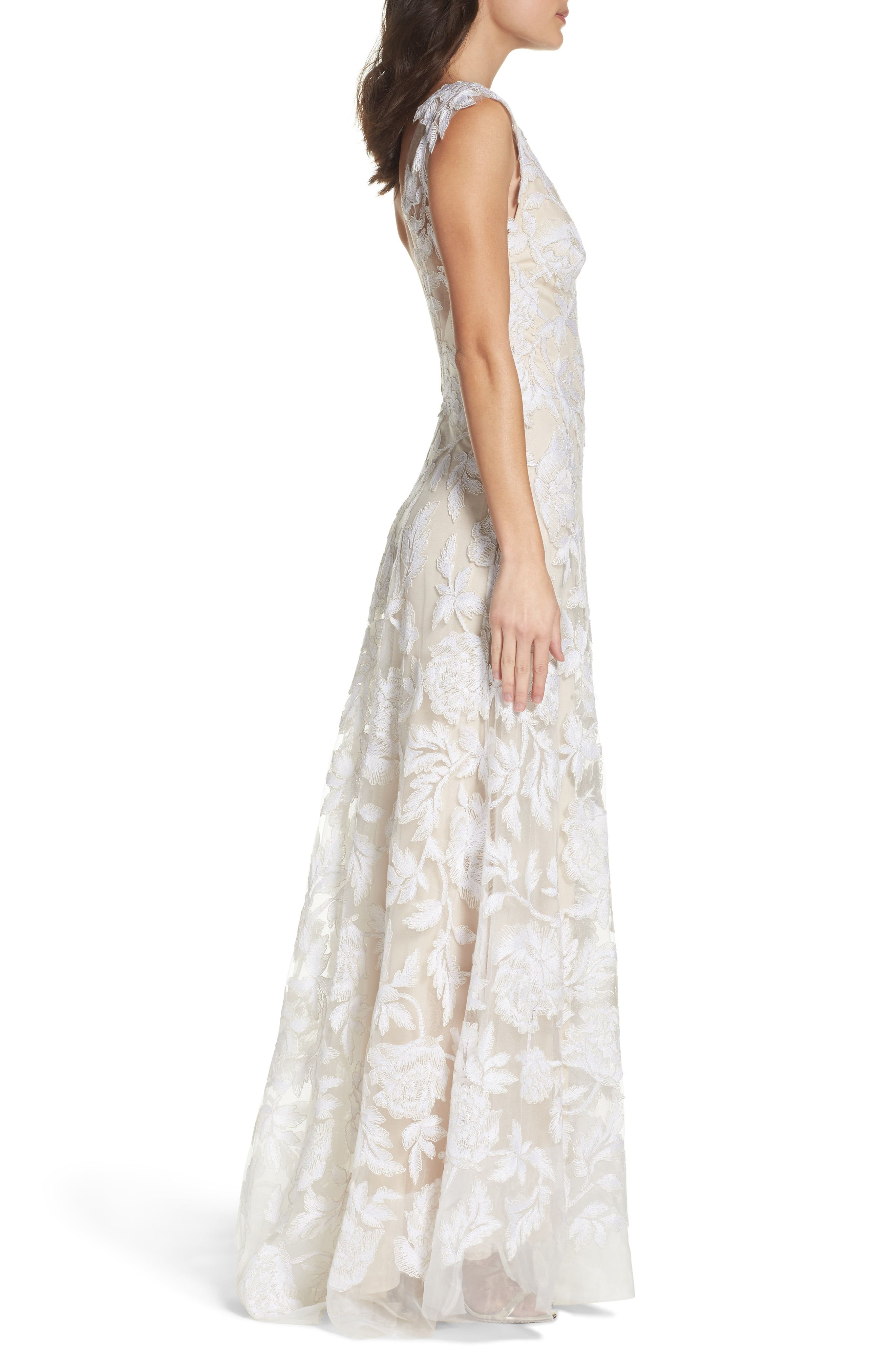 Tadashi Shoji Lace A Line Gown Nordstrom In 2021 Lace Gown A Line Gown Tadashi Shoji [ 4048 x 2640 Pixel ]
