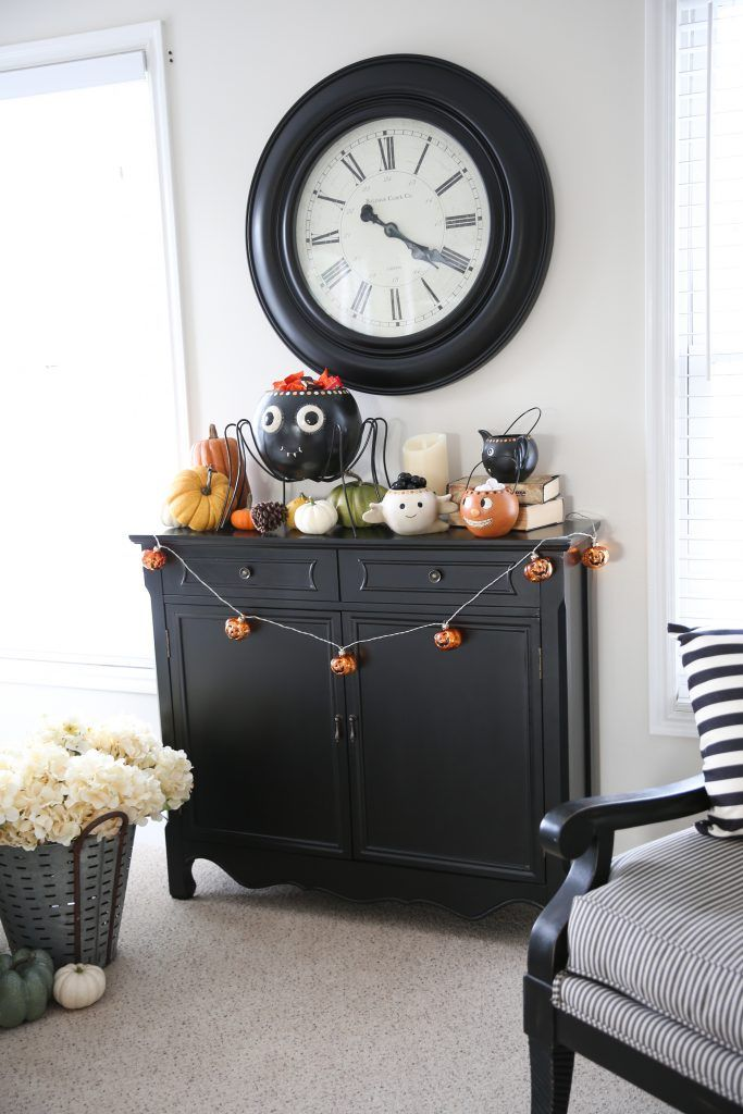 Halloween Home Decorating Tour and a Giveaway Halloween ideas - halloween house decorating ideas