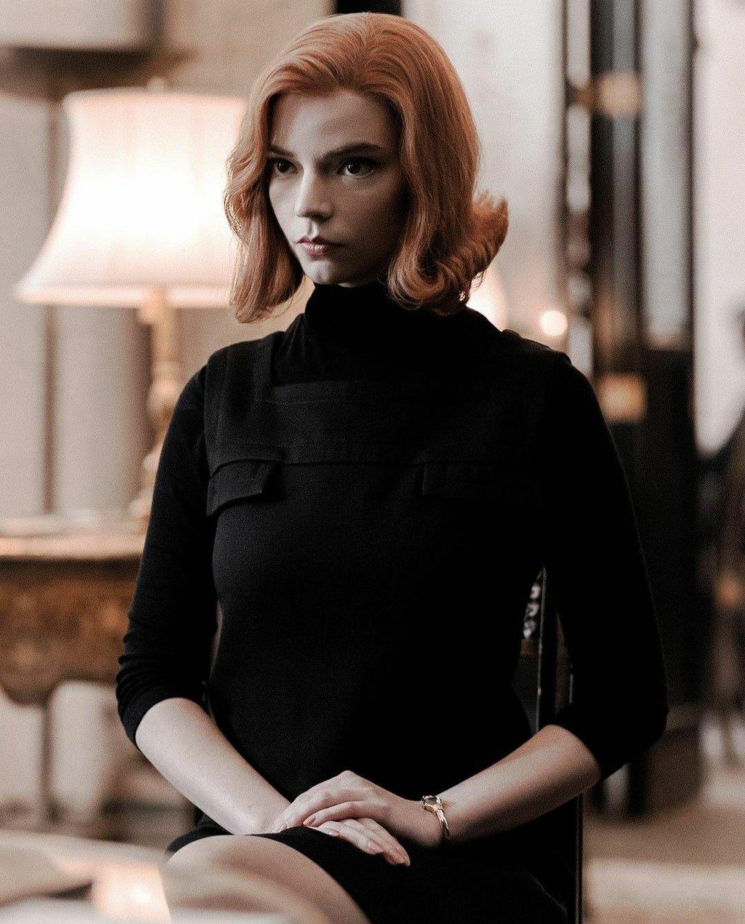 Mini Cutout Anya Taylor Joy Black Suit