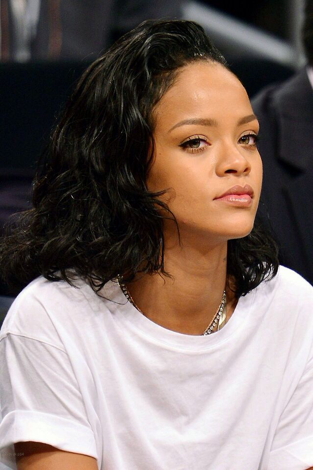 Rihanna | Hair and styles in 2019 | Rihanna, Rihanna ...