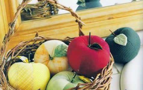 Atendendo a pedidos, aqui estão mais moldes de frutas e legumes de tecido, moldes de maçã, pera, berinjela, abóbora, morangos, alface e muitas outras, tem