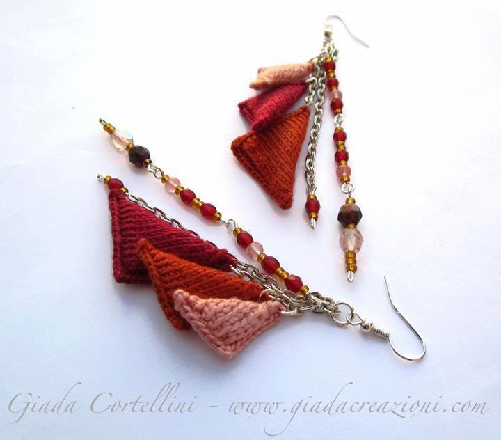 Brincos com triângulos em tricot, muito boho- do blogue GloriArts & Bijoux