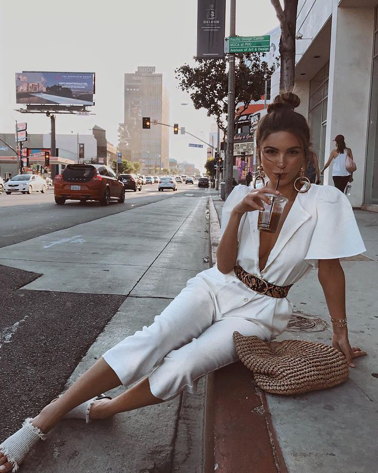 Negin Mirsaleh just backed this Jumpsuit Outfit- THECLCK – #Backed #chic #Jumpsuit #Mirsaleh #Negin