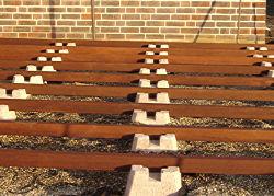 Anleitung: Holz-Terrasse selbst bauen – Unterkonstruktion