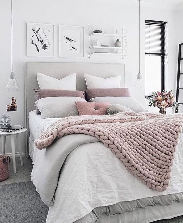 so in love with this large crocheted blanket slaapkamer ideen grijs wit dekbed