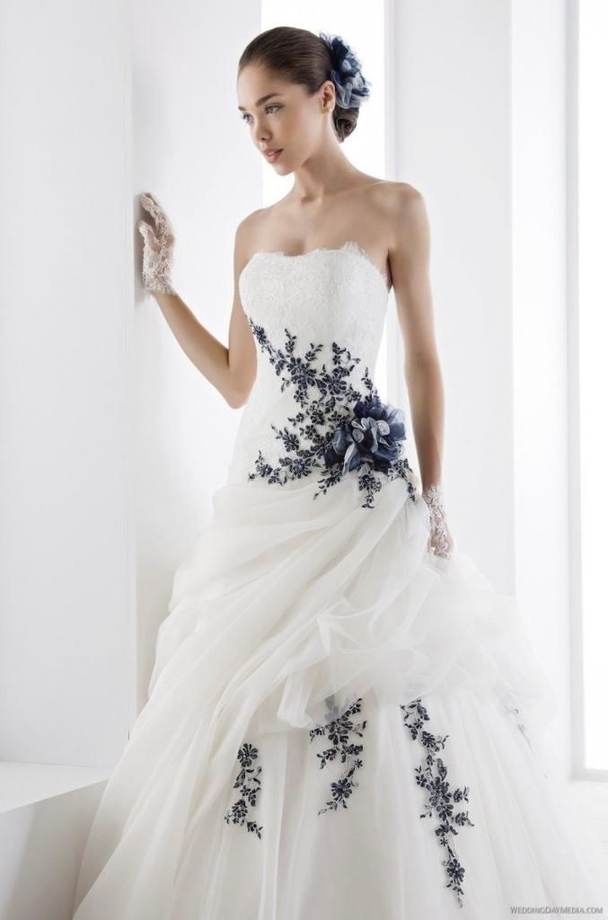 robe de mari e avec une touche de noir wedding dresses wedding dresses boho wedding dress. Black Bedroom Furniture Sets. Home Design Ideas