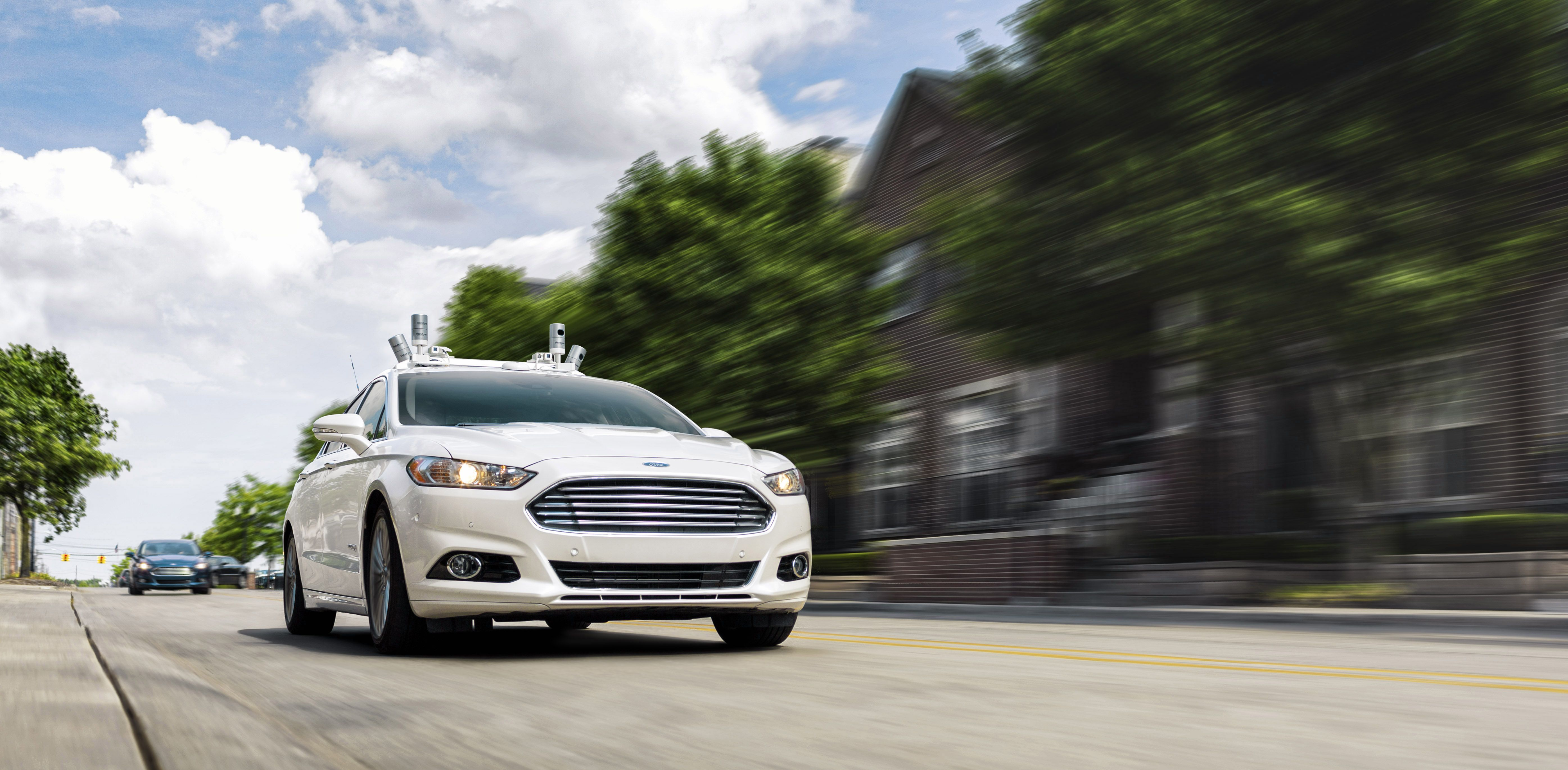 Motor'n FORD TARGETS FULLY AUTONOMOUS VEHICLE FOR RIDE