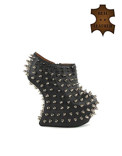 I want these Jeffrey Campbell shoes SO BAD!