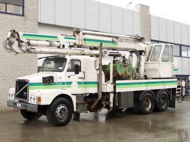VOLVO N12 truck-crane