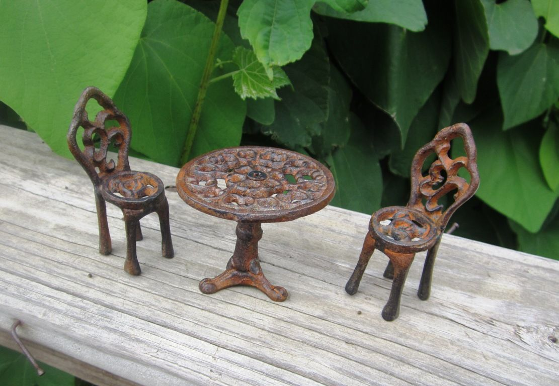 Cast Iron Miniature Bistro Table And Chair Set Fairy Garden