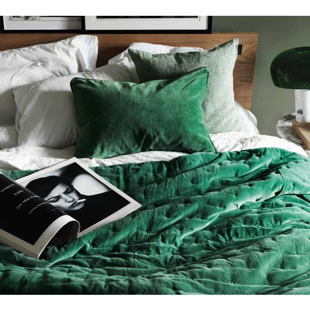 Plushious Velvet Emerald Green Bedspread