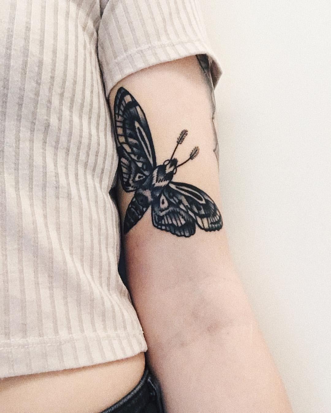 Instagram sofiekarlssonn mothtattoo tatuajes pinterest