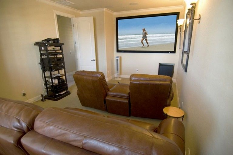 Build a room addition in any number of ways to your existing structure. 50+ Comfy Small Movie Room Design Ideas For Your Happiness ...