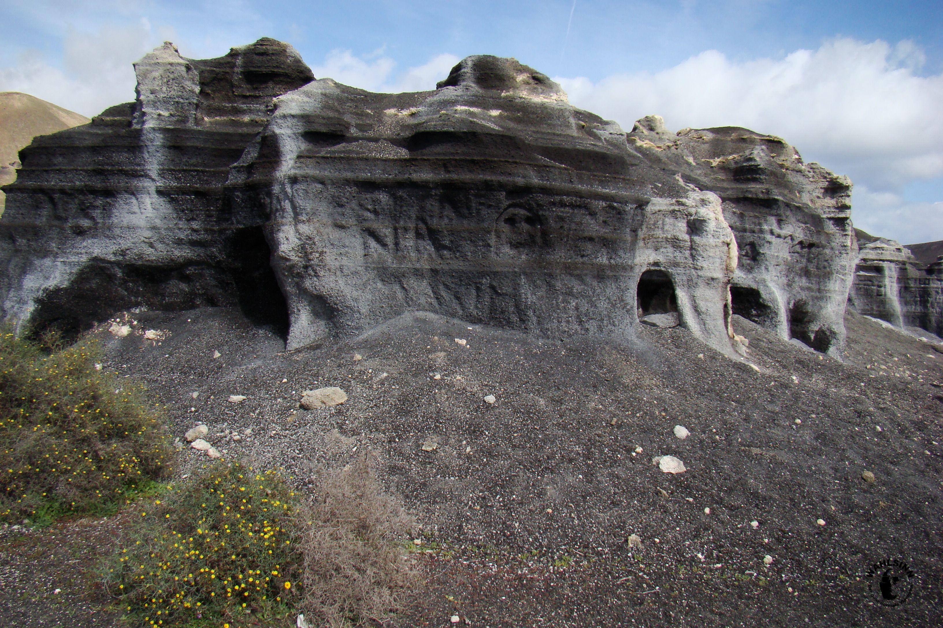Lanzarote -  Brüchige Steine, welche durch WInd und Wetter so geformt wurden