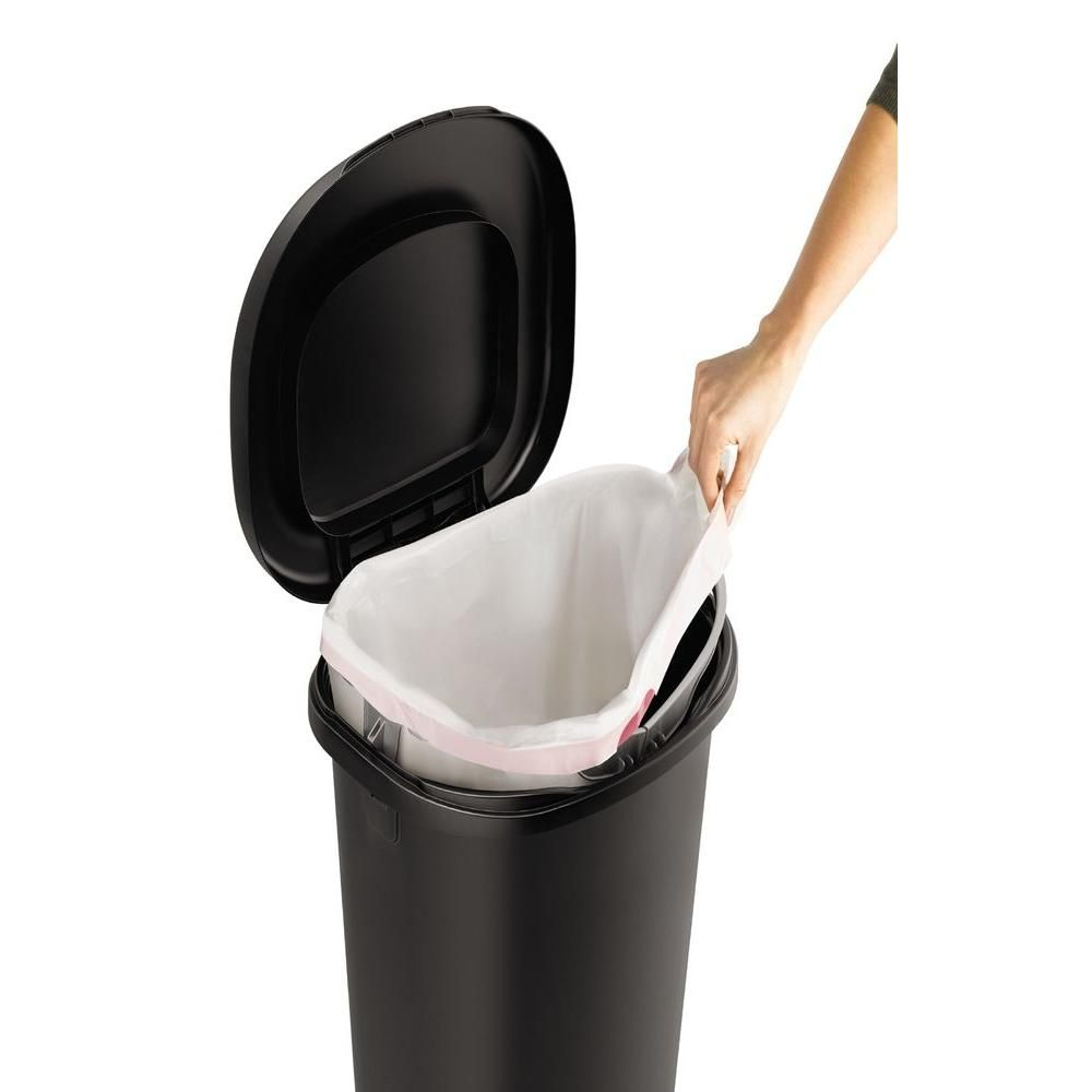 Rubbermaid 13 Gal Black Step On Trash Can 2007867 The Home Depot In 2020 Trash Can Rubbermaid Canning
