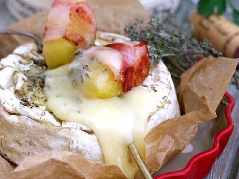 Camembert Roti Au Four Pommes De Terre Lardees Recette