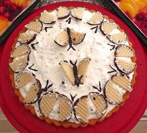 Köstliche Schaumkuss-Torte - Biskuit mit Sahne-Quark-Schaumkuss-Creme - ganz einfach - http://www.dickmanns.de/geburtstag/rezepte/koestliche-schaumkuss-torte