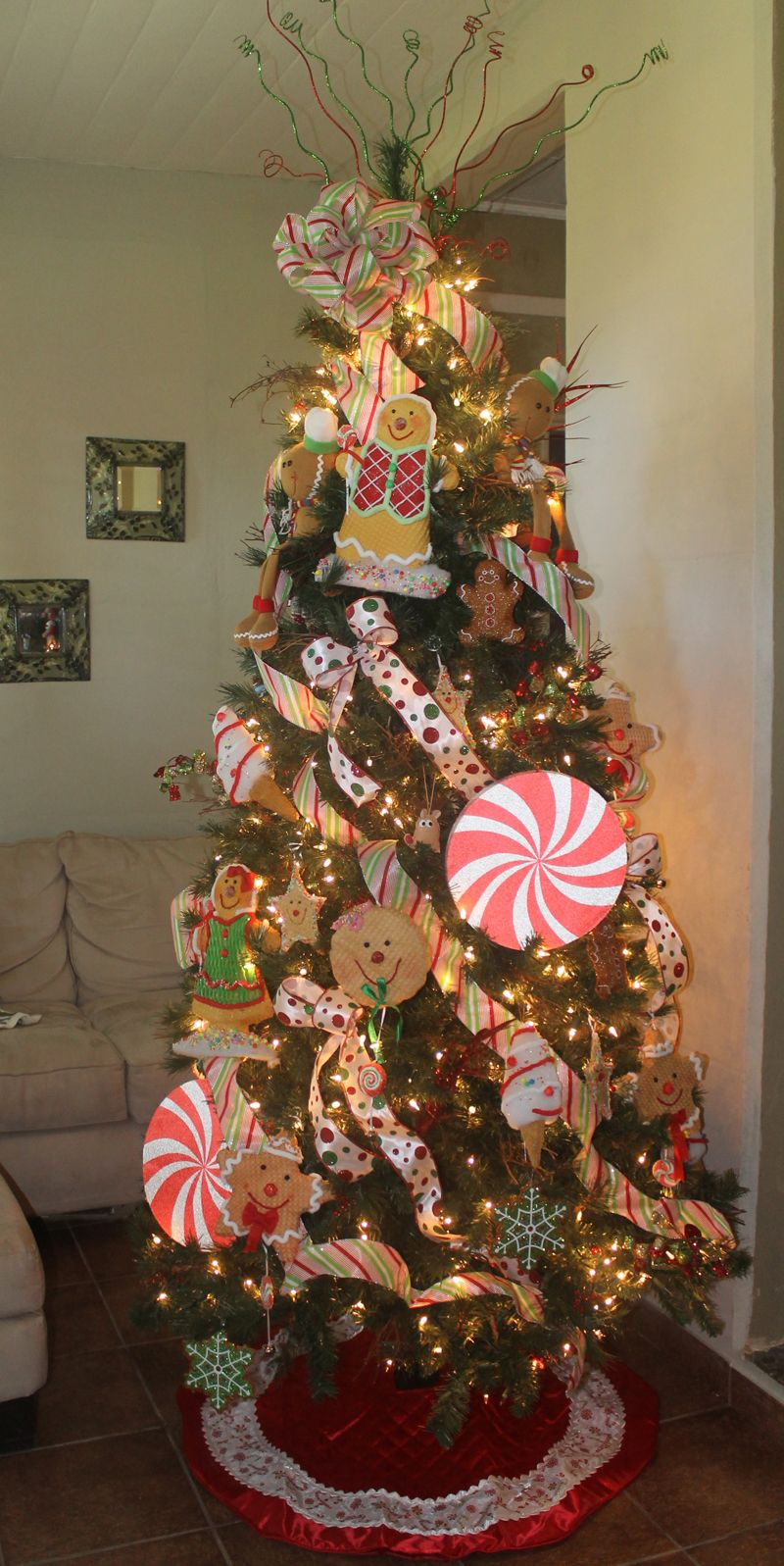 Gingerbread Christmas Tree | Gingerbread christmas tree ...