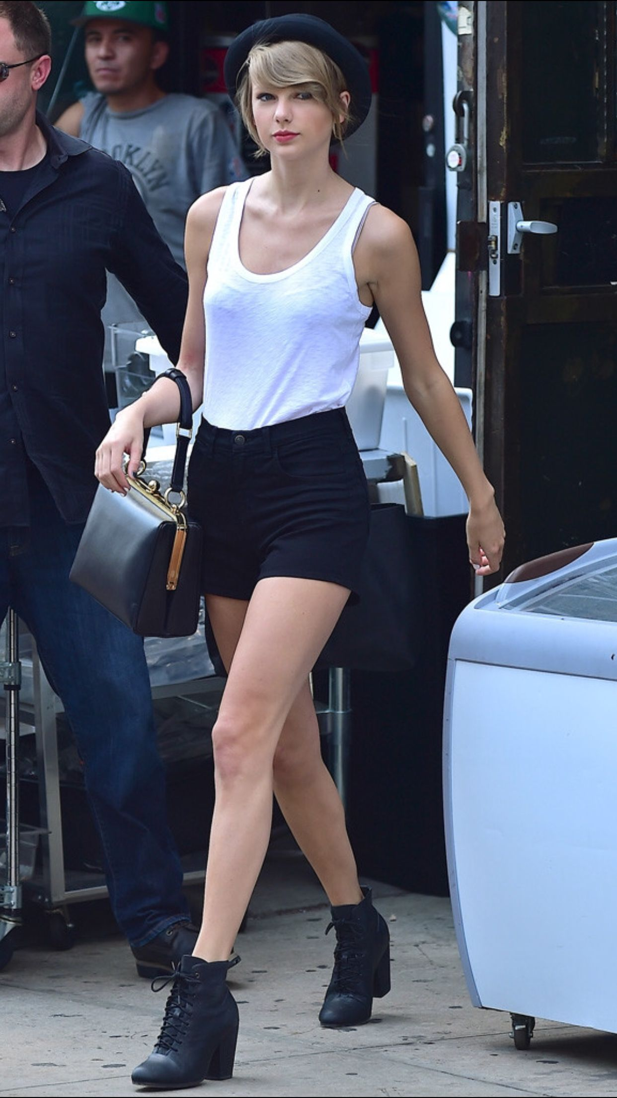 Pin by Heather Ashley on Elegant Taylor S. | Taylor swift ...