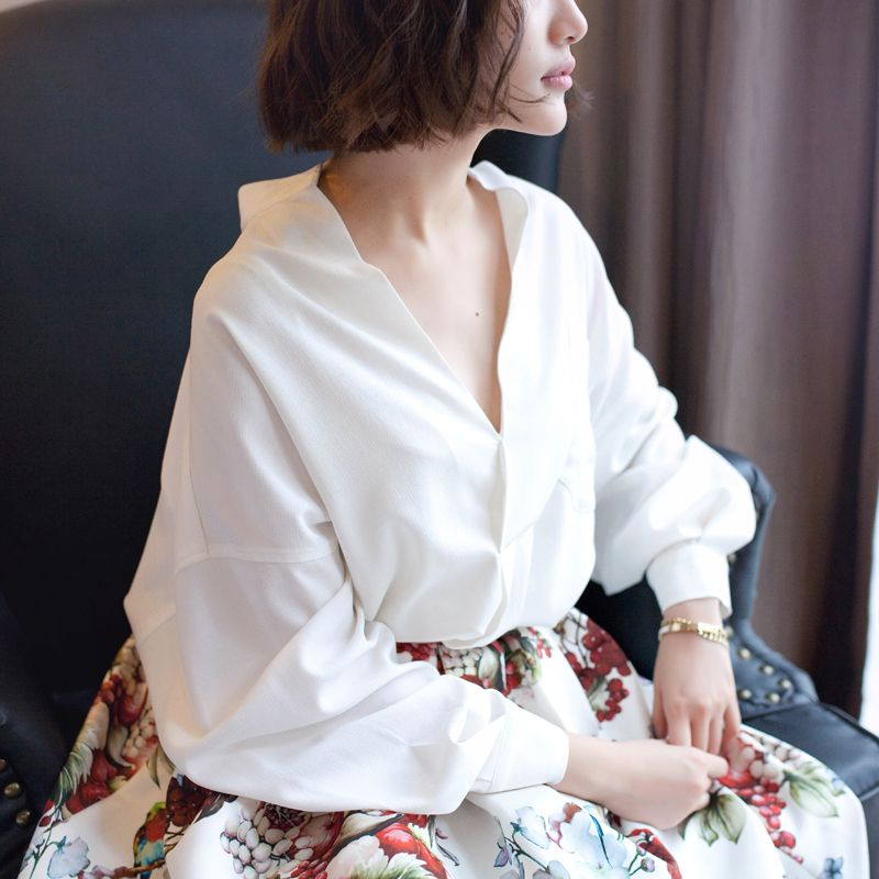 Memory House Europe and the wind off the shoulder lantern sleeve loose lazy…