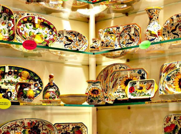 Souvenirs Shopping 15 Authentic Italian Things To Buy In Rome Rome Shopping Rome Travel Rome