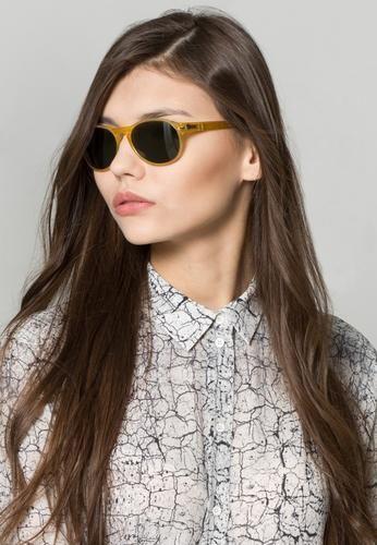 #Persol occhiali da sole beige Beige  ad Euro 145.00 in #Persol #Uomo premium accessori