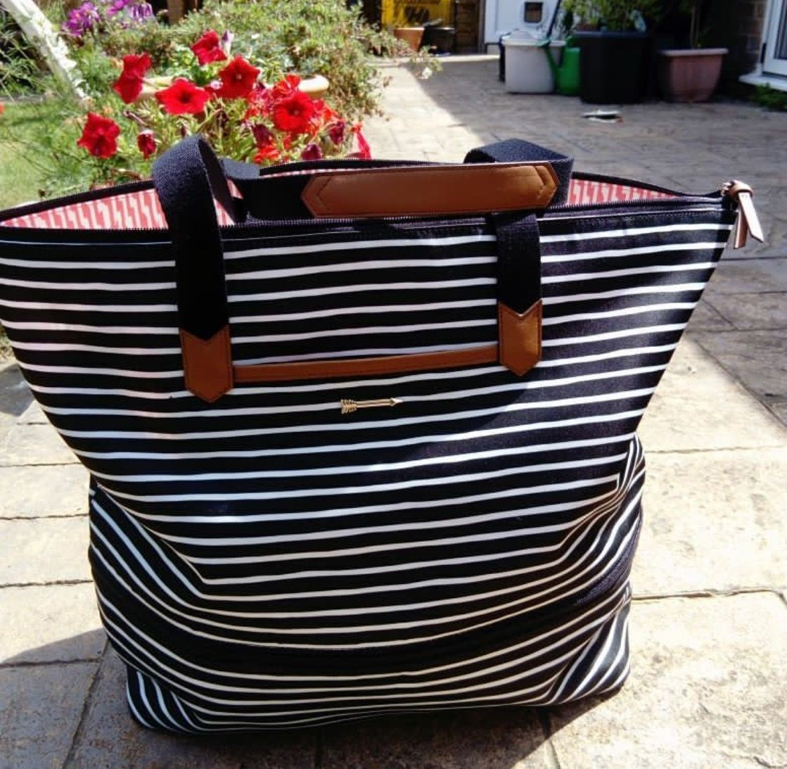a2d13c812 Daytripper- black/cream stripe. Our popular black and cream stripe now  comes in our everyday Daytripper tote! Whether using as a stylish commuter  bag or a ...