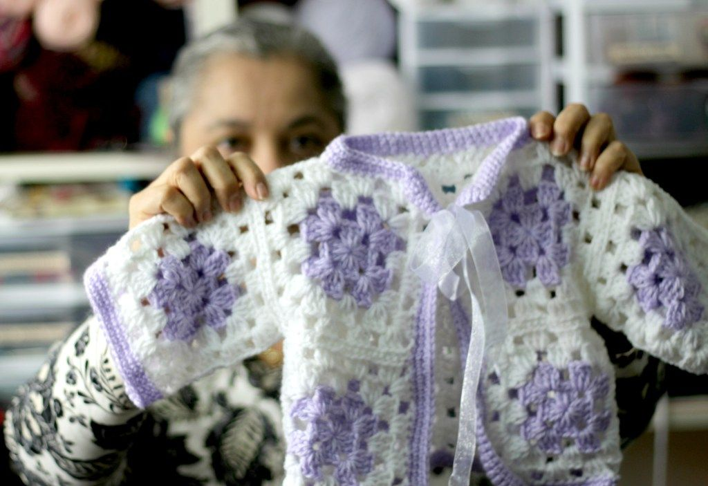 Even beginners can Crochet a Granny Square Baby Sweater | Tejido ...