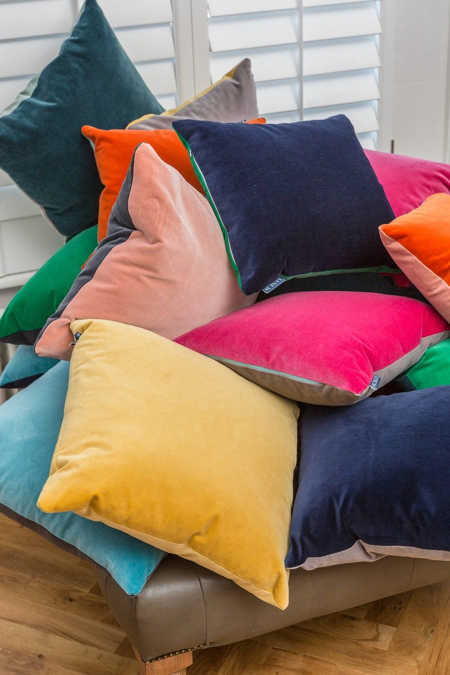 Luxury Velvet Cushions By Luxe 39 Pile Of Designer Velvet Cushions With Two Velvet Sides Velvet Cushions Cushions On Sofa Cushions Uk