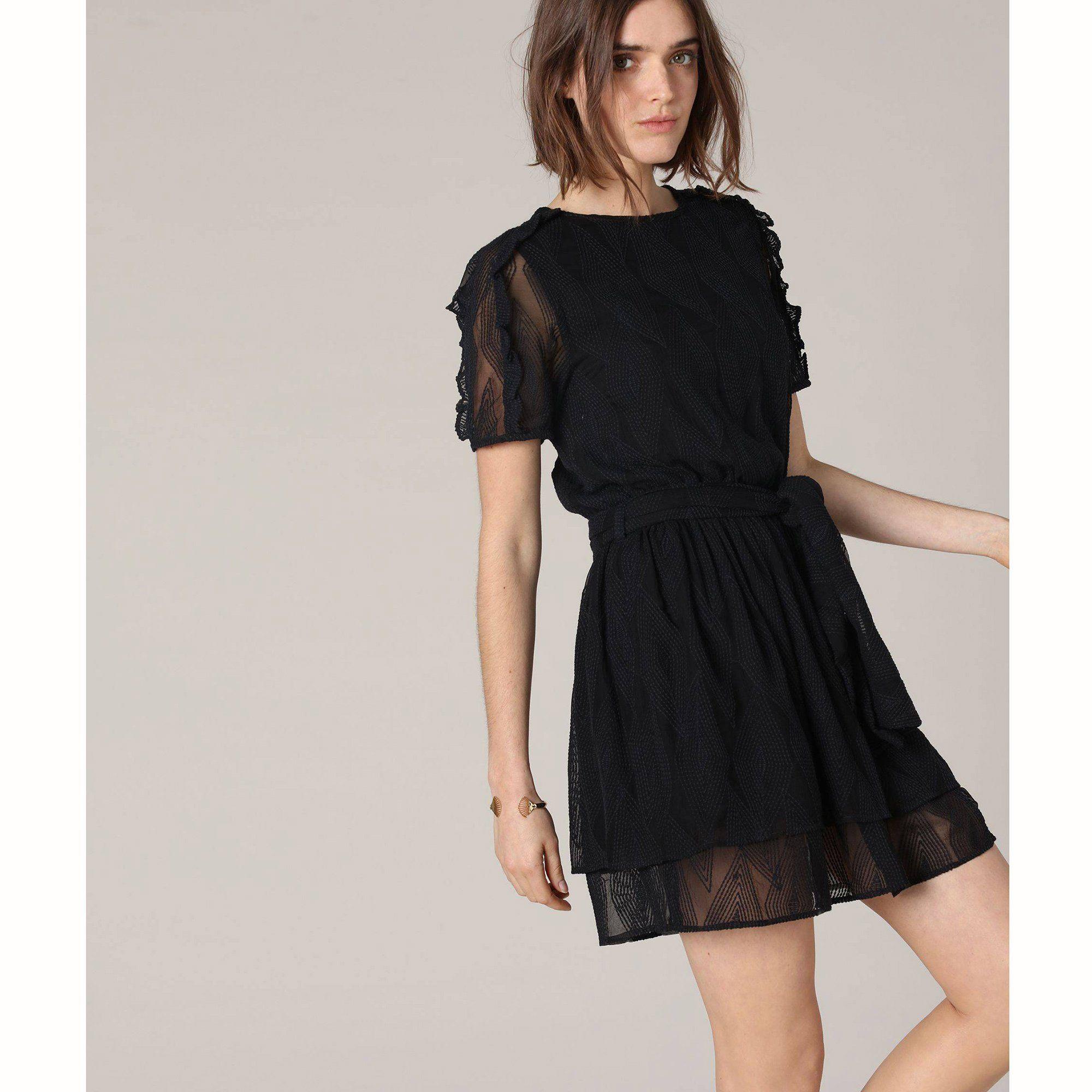 25 robes noires tendance printemps-été 2019