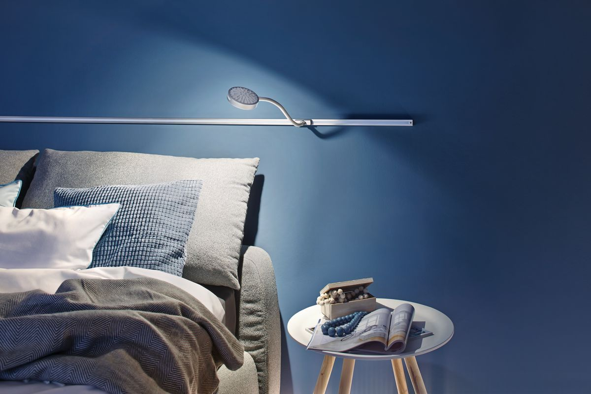 die flexible leselampe am bett die discus leselampen. Black Bedroom Furniture Sets. Home Design Ideas