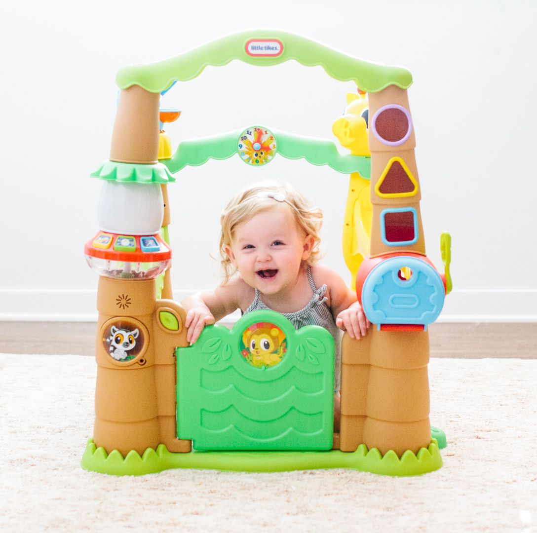 With 80+ activities, lights and sounds the Little Tikes
