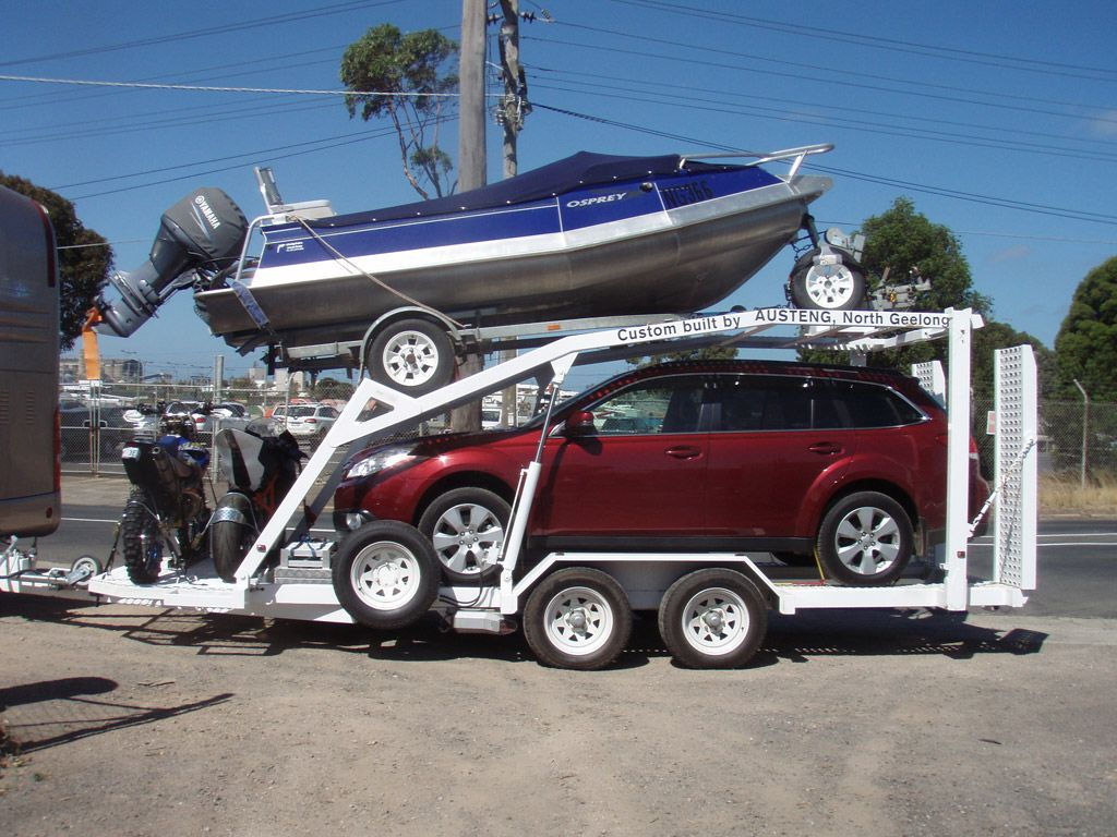 Boats | Rinker Boats: Adventurous Runabouts & Express Cruisers