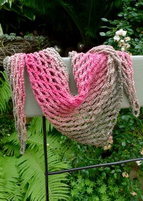 Photo of Airy light scarf crocheted – Karin Urban – NaturalSTyle