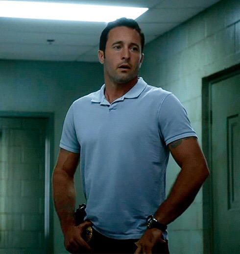 Blue is my color.   #DailyThoughtsIn4Words #H50