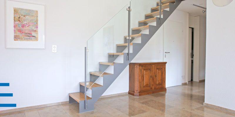 Wangentreppe mit Holzstufen - schlank Wangentreppen Pinterest - exklusives treppen design