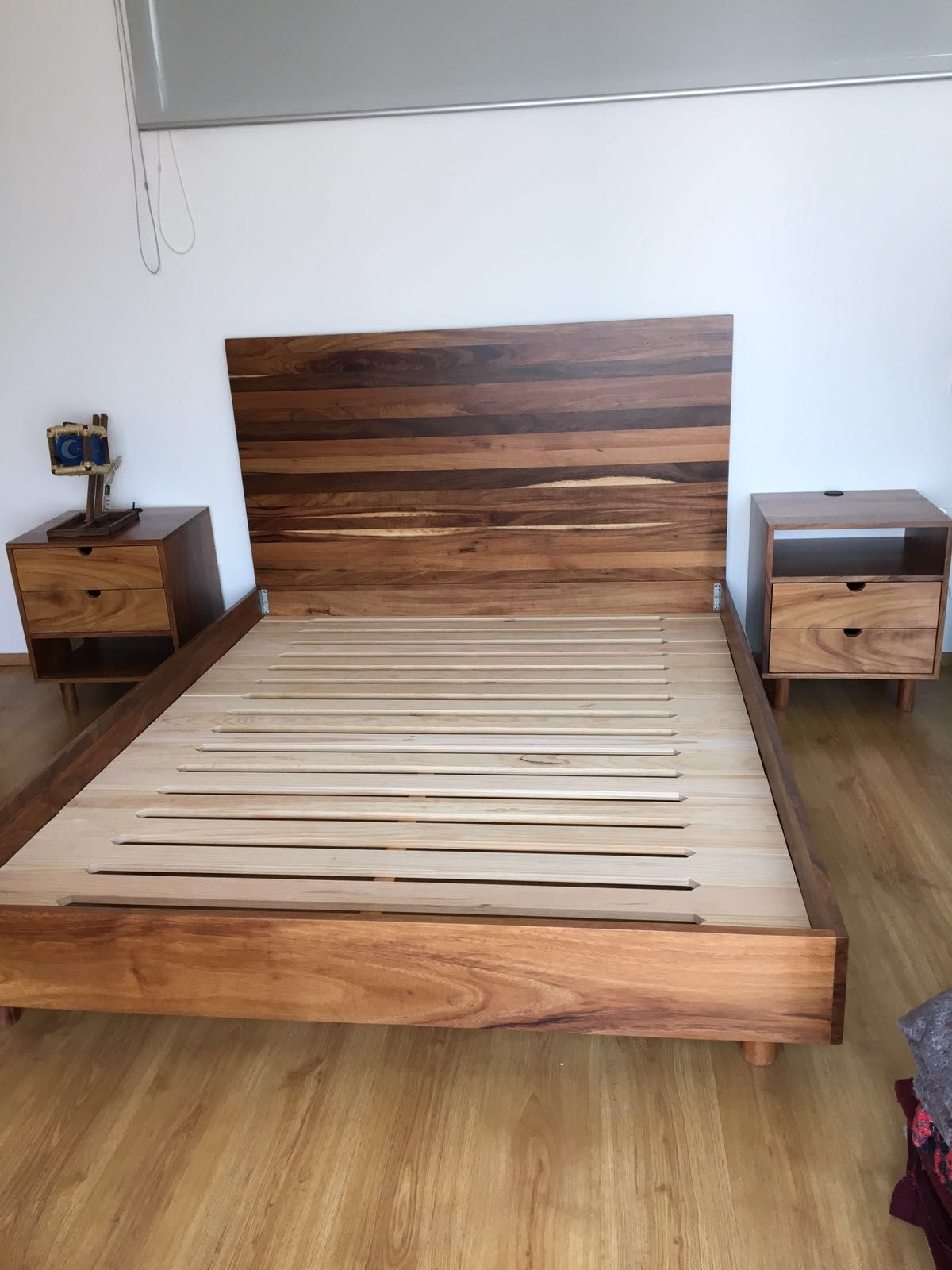Base de cama y cabecera de madera de huanacastle bases for Camas en madera economicas
