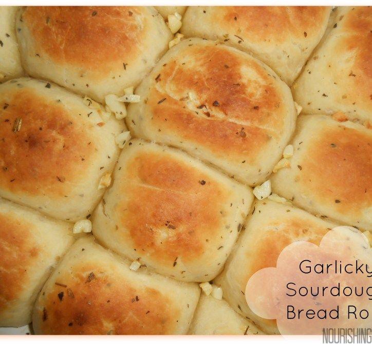 Garlicky Sourdough Bread Rolls