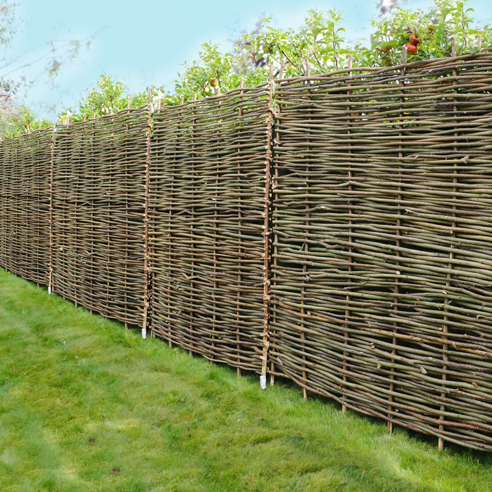 Hazel Hurdle Decorative Woven Garden Fencing Panel 6ft x 6ft - (1.8 ...