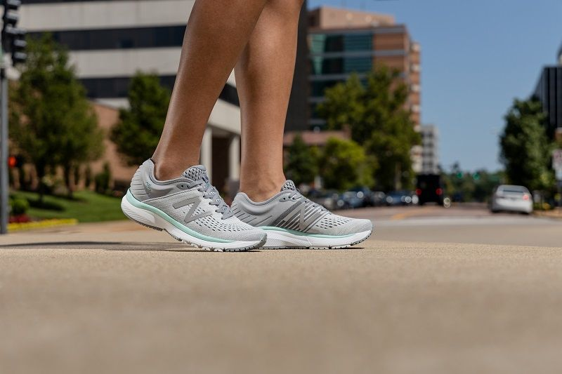 New Balance Ladies 860v10 | Stability running shoes, Running shoes ...