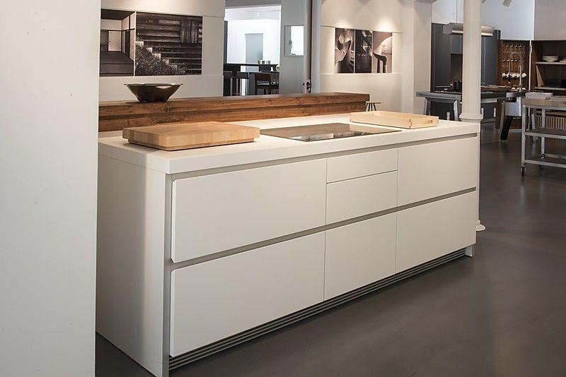 Bulthaup Ausstellungsküche bulthaup musterküche inklusive massivholz barplatte ohne geräte und