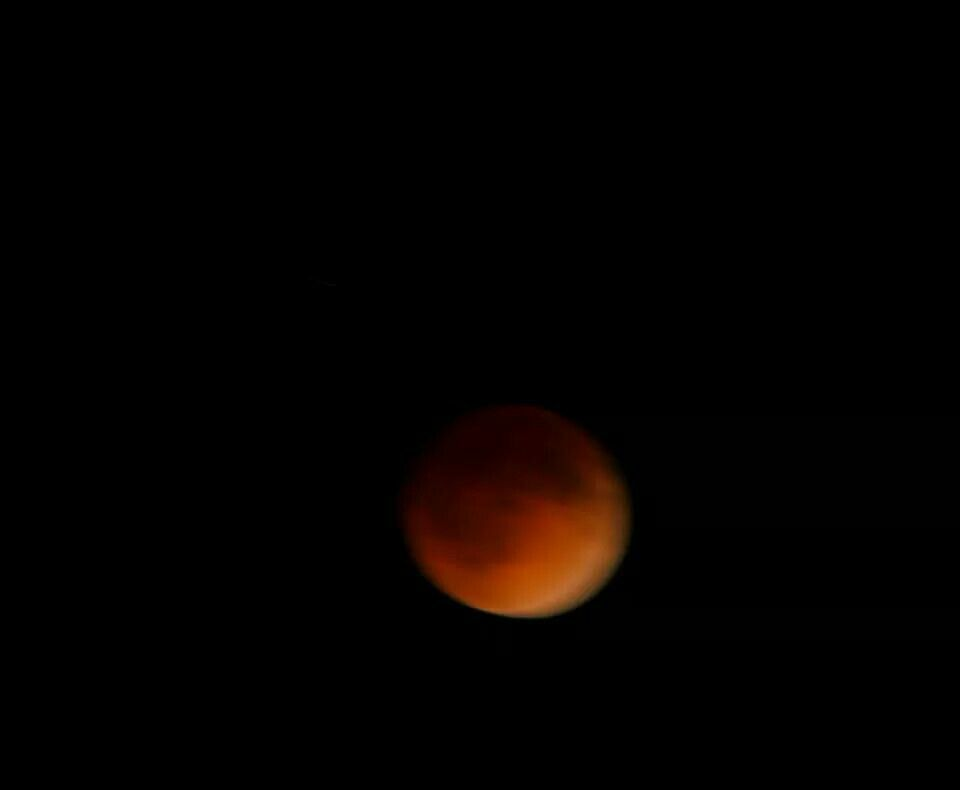 View of Blood Moon from Missouri - Via Sharon Fry.