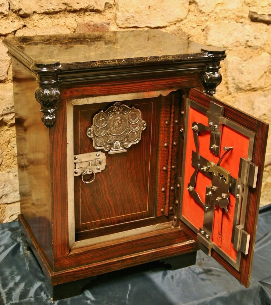 wundersch ner antiker tresor um 1885 kleiner geldschrank antique safe antique life before. Black Bedroom Furniture Sets. Home Design Ideas